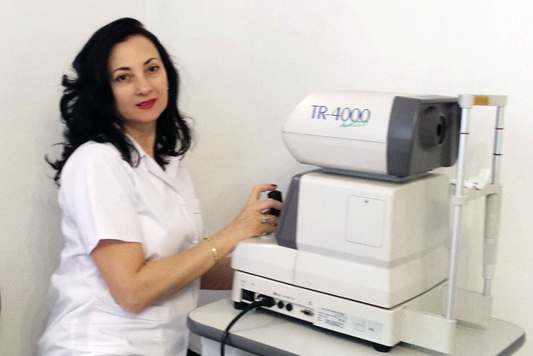Dr. Lazar Violeta